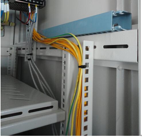 网线接线盒往墙里安装